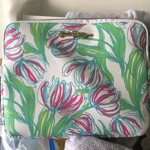 Lilly Pulitzer Tech Clutch